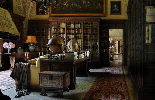 Biblioteca del castello di Grazzano Visconti