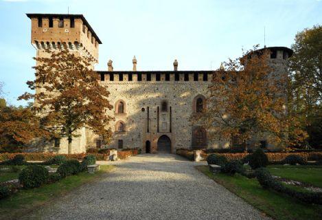 Castello di Grazzano Visconti facciata