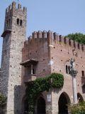Palazzo dell'Istituzione a Grazzano Visconti
