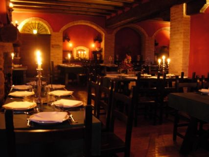 Gropparello   Taverna del Castello    sala