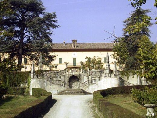 Villa Peyrano at Albarola near Vigolzone