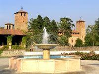 Veduta del castello dalla piazza di Vigolzone